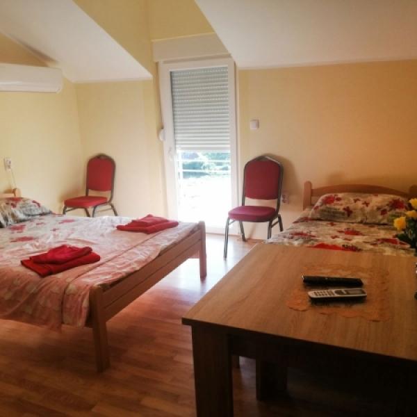Smeštaj Roze vila apartman 1